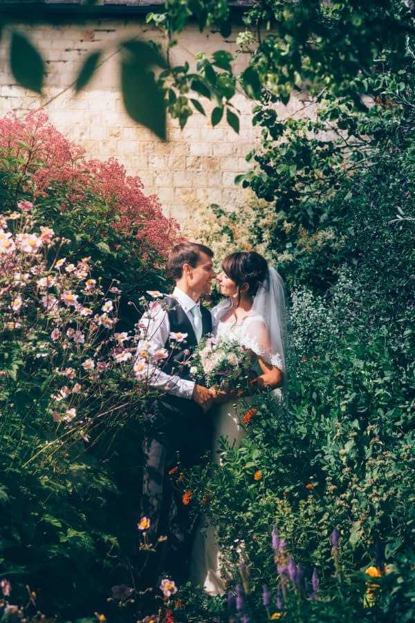 bury_court_barn_wedding_photographer-33-2